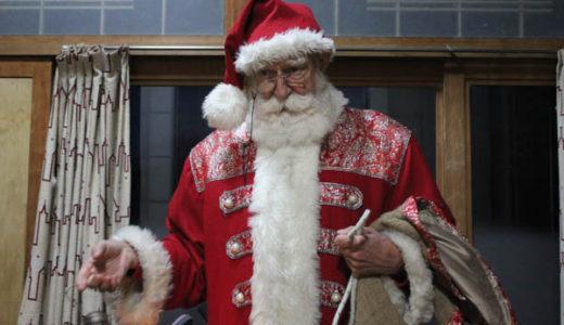 サンタクロースへのクリスマスプレゼントのリクエストと転居届け